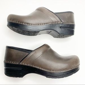 Dansko Light Brown Oiled Leather Clogs size 37